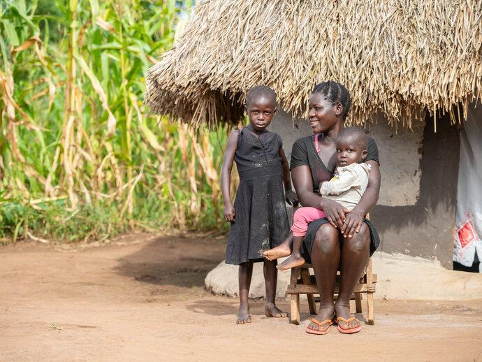 Photo: Mother and children in Uganda